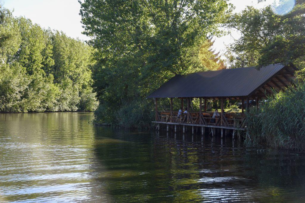 Šebešfok pogled na reku