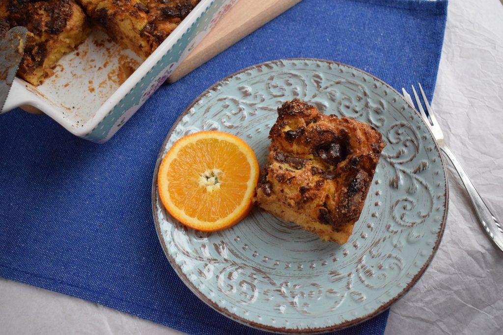 Bread pudding cake