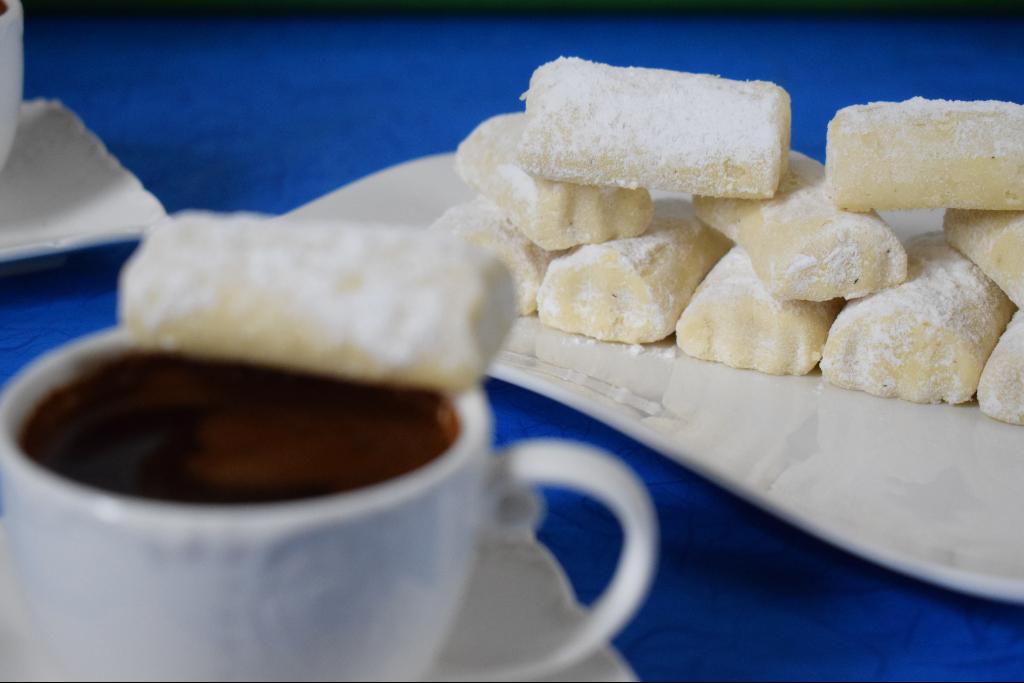 Bosanski lokum i kafa